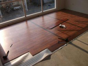 Harga karpet lantai motif kayu