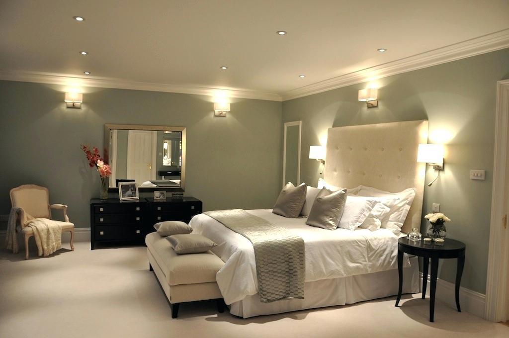Pilih plafon dengan desain yang sederhana - 5 Tips Memilih Plafon Kamar agar Tidur Lebih Berkualitas