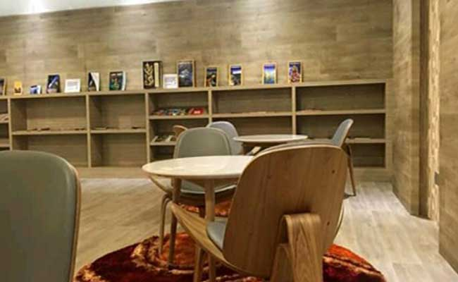 Galeri : Contoh Penggunaan Vinyl pada Permukaan Dinding