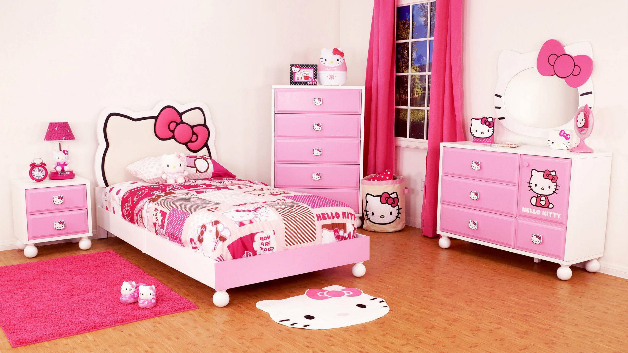 Menentukan ukuran motif wallpaper - Buat Kejutan Manis untuk Si Kecil dengan Memasang Wallpaper Dinding Hello Kitty - lovekidszone.com