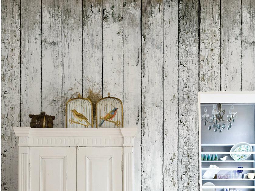 Padukan Monokrom Stripes dengan Sentuhan Kayu - 15 Tips Memilih Motif Wallpaper Dinding untuk Rumah Minimalis Modern - archiproducts.com