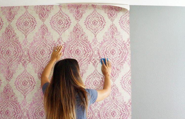 Pasang wallpaper di seberang pintu - Keunggulan dan Tips Pemasangan Wallpaper Dinding 3D - diyinspired.com