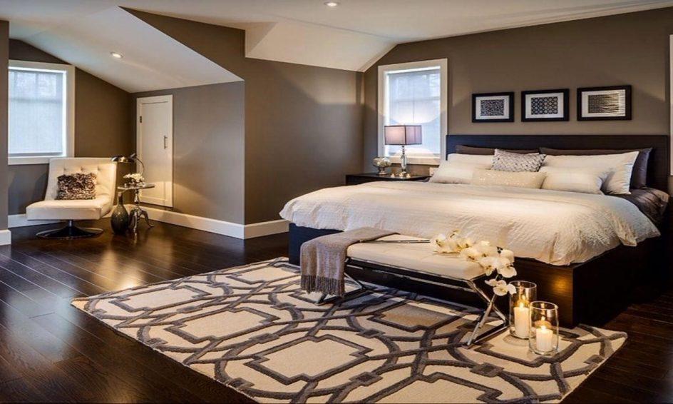 White-on-white dengan efek tiga dimensi - Suka Desain Minimalis? Coba Pasang 5 Motif Wallpaper Dinding Kamar Tidur Ini! - sublettetimes.com